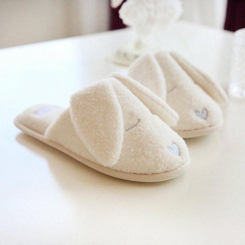 Nova popular casa senhoras casa chinelos em forma de branco cão de aperto dos desenhos animados dos desenhos animados mulheres inverno inverno chão macio deslizamento deslizamento zapatillas j2Y0 #