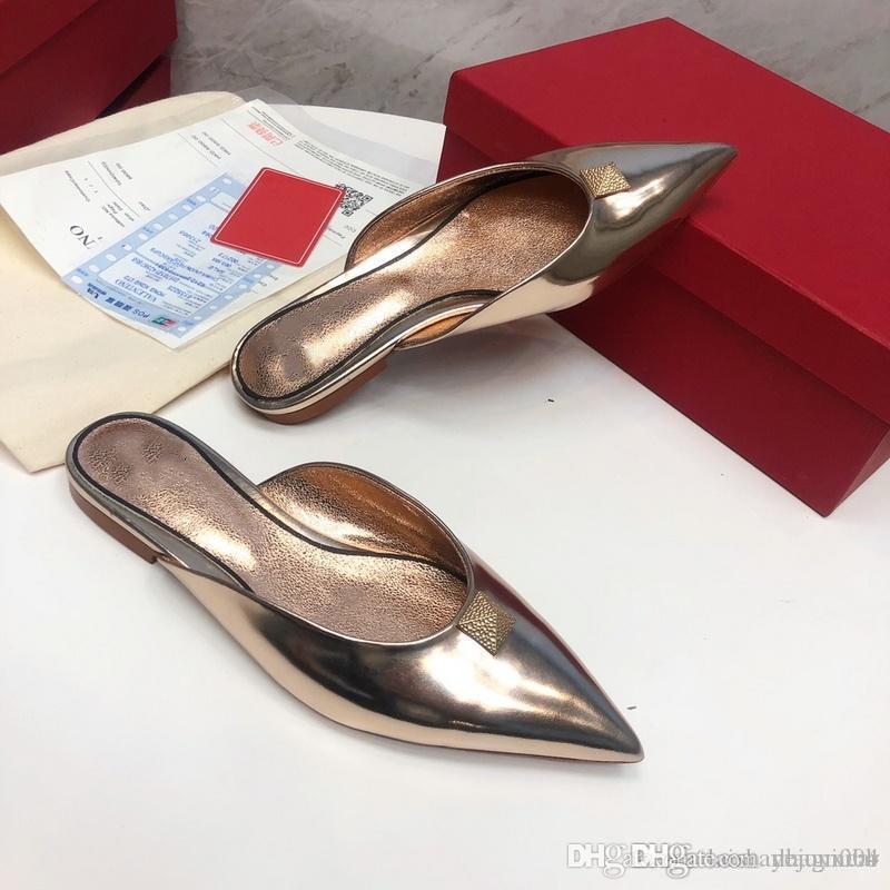 A3 14 colores Nuevas mujeres de primavera y verano señaladas zapatillas de tacón plano Tamaño europeo 35-40 Remache romano cuero plana mulas