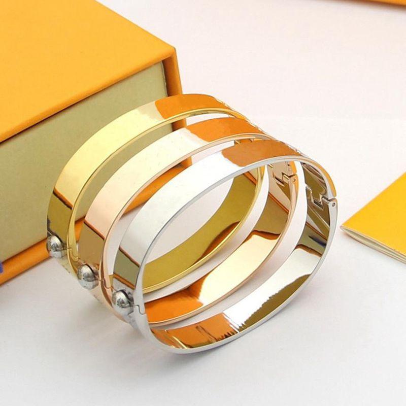 2021 Vente chaude Bracelets d'or Bracelet de haute qualité Bracelet en acier titane Personnalité Simple Pour Couples Bracelets Fashion Supply