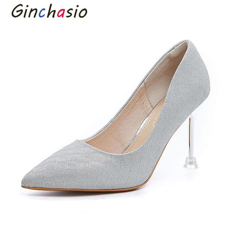 Chaussures robes Ginchaseio 2021 Femmes Pompes Soft Automne Spring Spring pointu Toe Crystal Teel Slip sur Damier Argent Couleur High Talons
