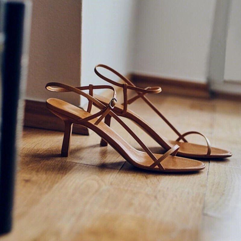 Кошка с тонким поясом фея сандалии женские лето новая сеть красных каблуков с диким маленьким каблуком 210301