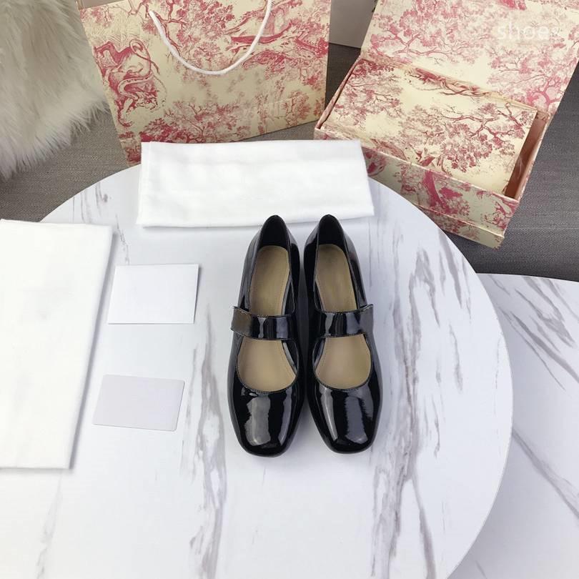 O novo 2021 vestido Shoes Party Office Universal High Saltos Moda Versátil Senhoras Sapatos de Luxo Designer Design EHR