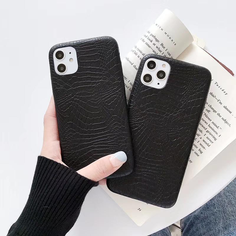 Coque de téléphone de la peau de crocodile de luxe pour iPhone 12 11 12 PRO 7 8 plus Couverture en cuir PU pour iPhone X xs max xr noir