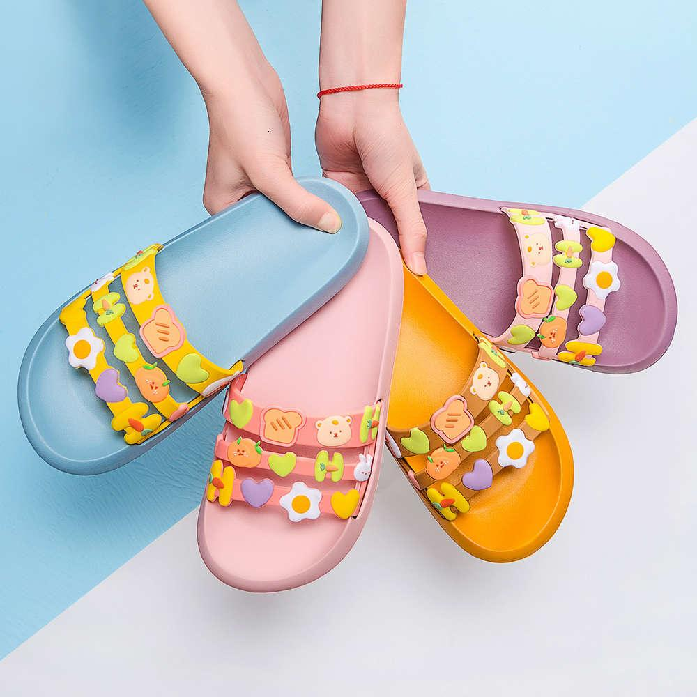 2021 Yaz aylarında kadınlar için yeni kalın tabanlı sandalet