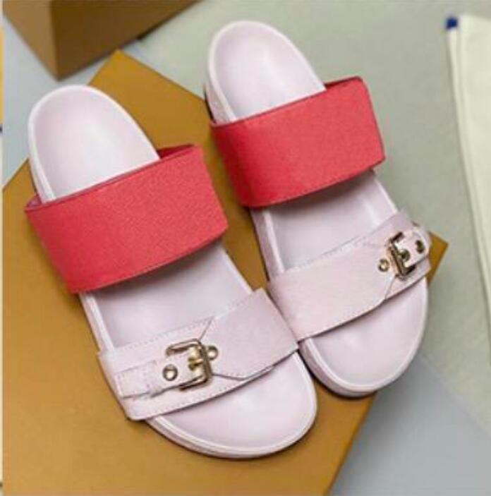 2021 Designer Women Slides Sandal Bom Dia Flat Mule Slipper Patent Canvas Men Women Beach Slides Rubber Soles Summer Flip Flops with box a2