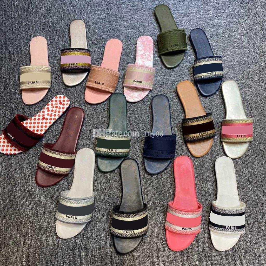 2021 Tasarımcı Kadın Terlik Klasik Sandalet Bayanlar Lüks Hakiki Nakış Terlik Slaytlar Düz Ayakkabı Oran Sandal Parti Düğün Ayakkabı Kutusu Boyutu 35-42