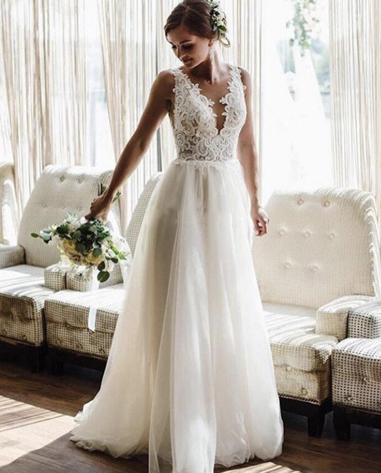 2022 Beach Wedding Dresses Bridal Gowns Lace Applique Bohemian Sheer V-Neck Backless Floor Length Custom Made Chic Tulle Plus Size Vestido De Noiva