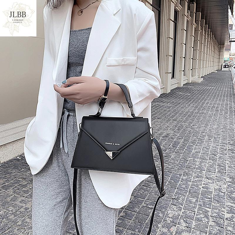 Bolsas pequeñas negras para mujeres 2021 New Lady Handbag Casual All-Match Bolsa de hombro Bolsa Lock Tide Cross Body Bolsa Femenina