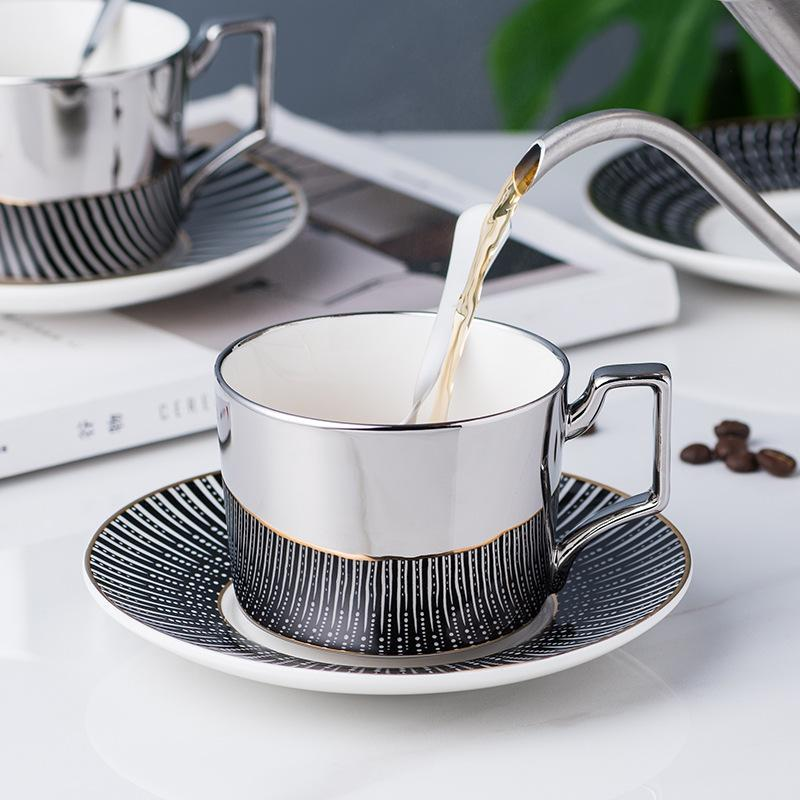 Kupalar Titanyum Gümüş Ayna Yansıma Kahve Fincanı Plaka Logo Ile Özel Avrupa İkrale Çay Seti