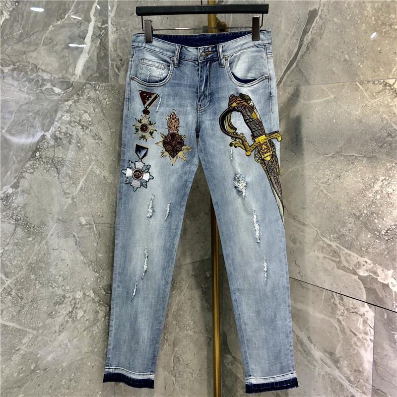 Мужские джинсы qw0347 мода 2021 взлетно-посадочная полоса Европейский дизайн вечеринка в стиле одежда