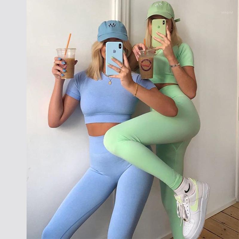 2 pièces Set Femmes sans soudure Yoga Ensemble Sweat Workout Vêtements Gymnase Courant à manches courtes Crop Top Yoga Pants Femmes Fitness Vêtements1