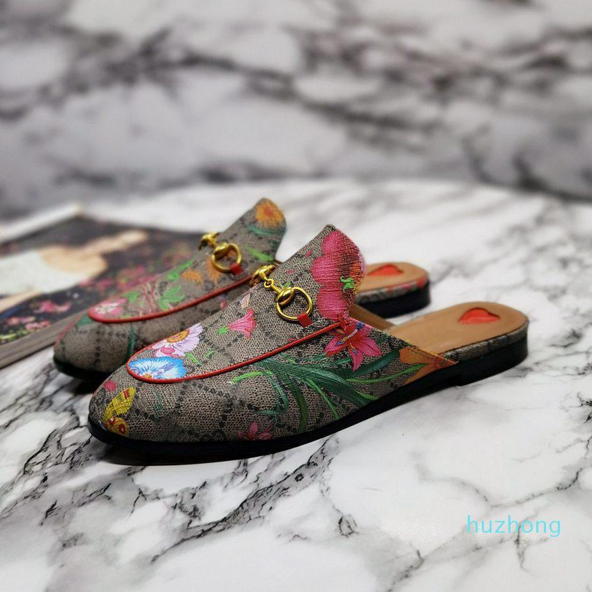 2021 가죽 남성 슬리퍼 부드러운 소 가죽 게으른 여성 신발 금속 버클 비치 슬리퍼 노새 상자와 클래식 레이디 슬리퍼 상자