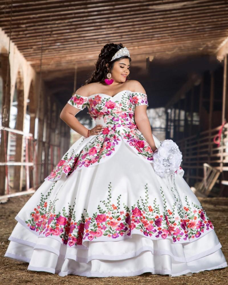 Vintage 3D Floral Flowers 2021 Off the shoulder White Cheap Quinceanera Prom Formal Dress Ball Gown with Sleeves Plus size Vestidos 15 Anos