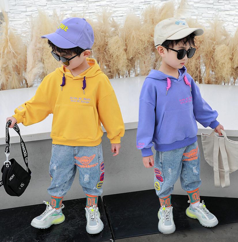Moda Erkek Denim Kıyafetler 2021 Bahar Yeni Çocuklar Mektup Baskılı Kapüşonlu Kazak + Baskılı Kot 2 adet Çocuklar Rahat Giyim A5931