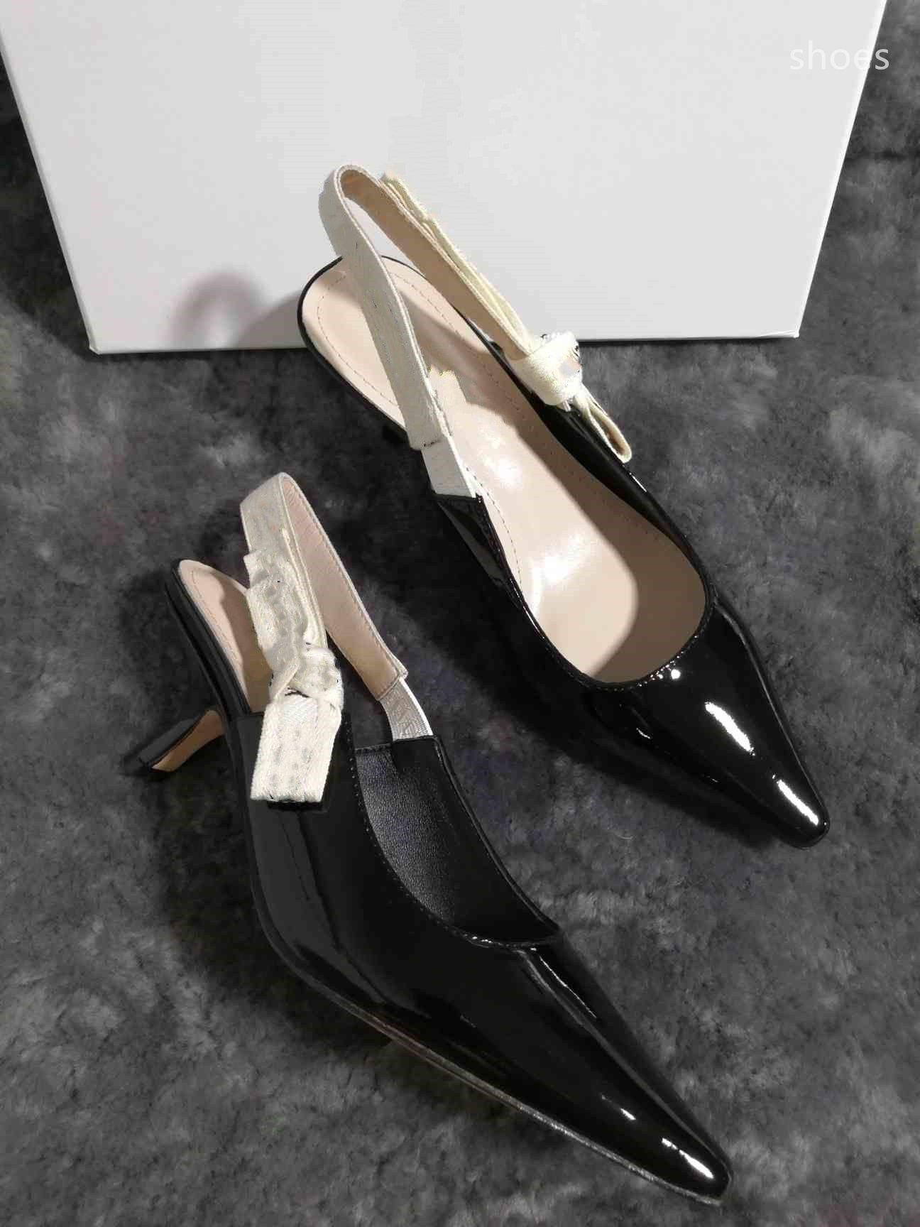 O novo 2021 vestido Shoes Party Office Universal High Saltos Moda Versátil Senhoras Sapatos de Designer de Luxo F5HG