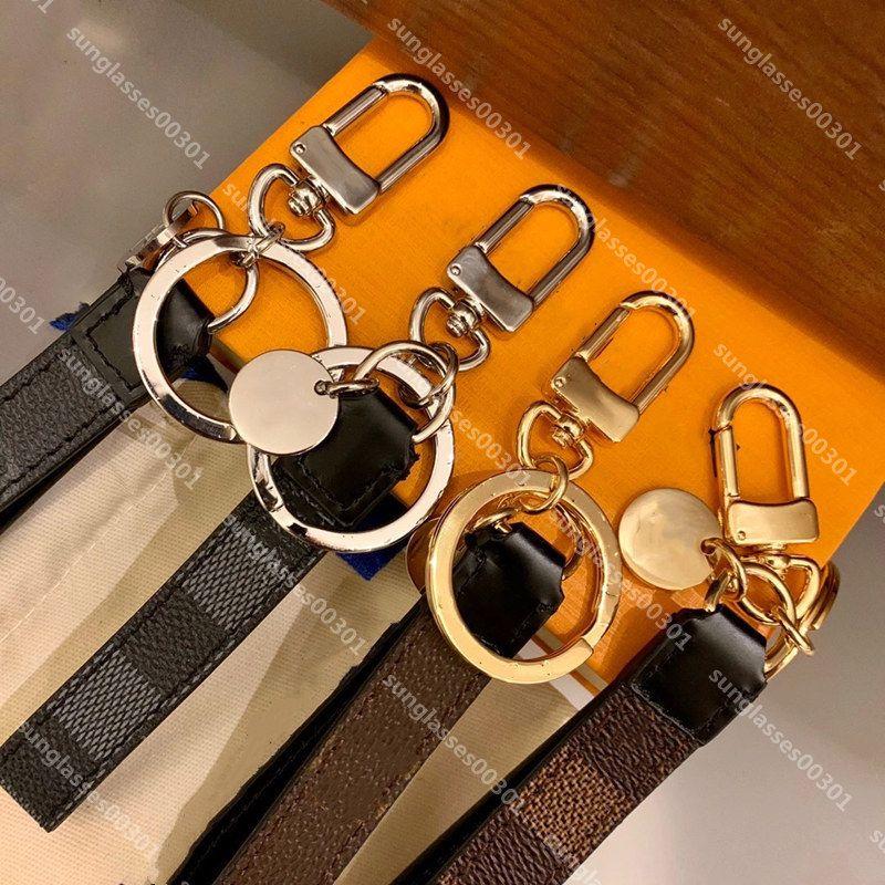 Mode Luxurys Keychain Portefeuille Designers Boucle Lovers Carte de voiture Chaîne Cuir Porte-clés Hommes Femme Sac Pendentif Accessoires