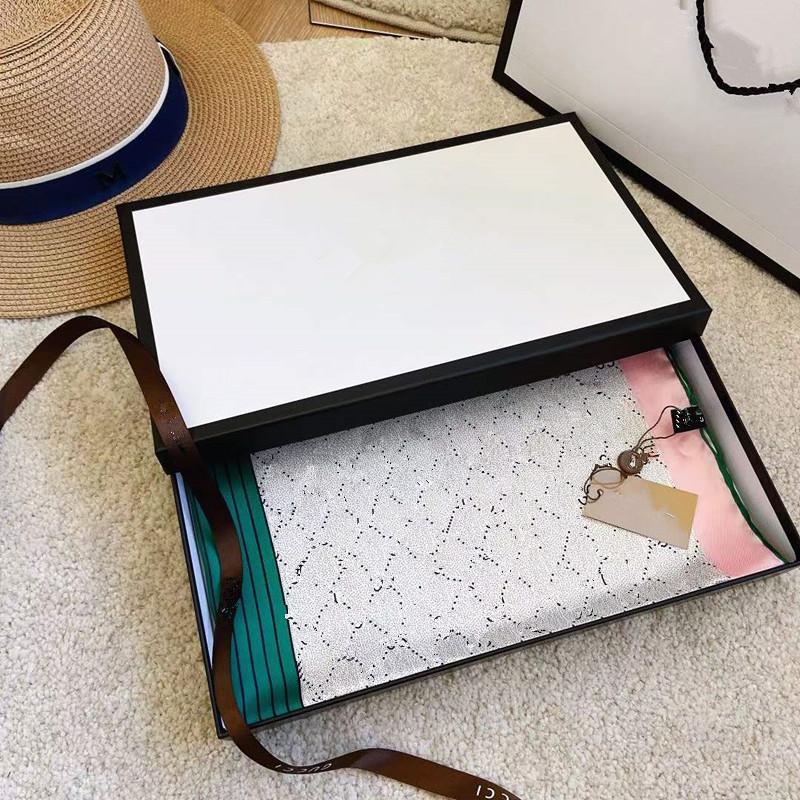 Nuova calda seta confortevole bella ed elegante donna primavera e estate sciarpe di seta 90 * 90 cm lettera sciarpa quadrata senza scatola spedizione gratuita