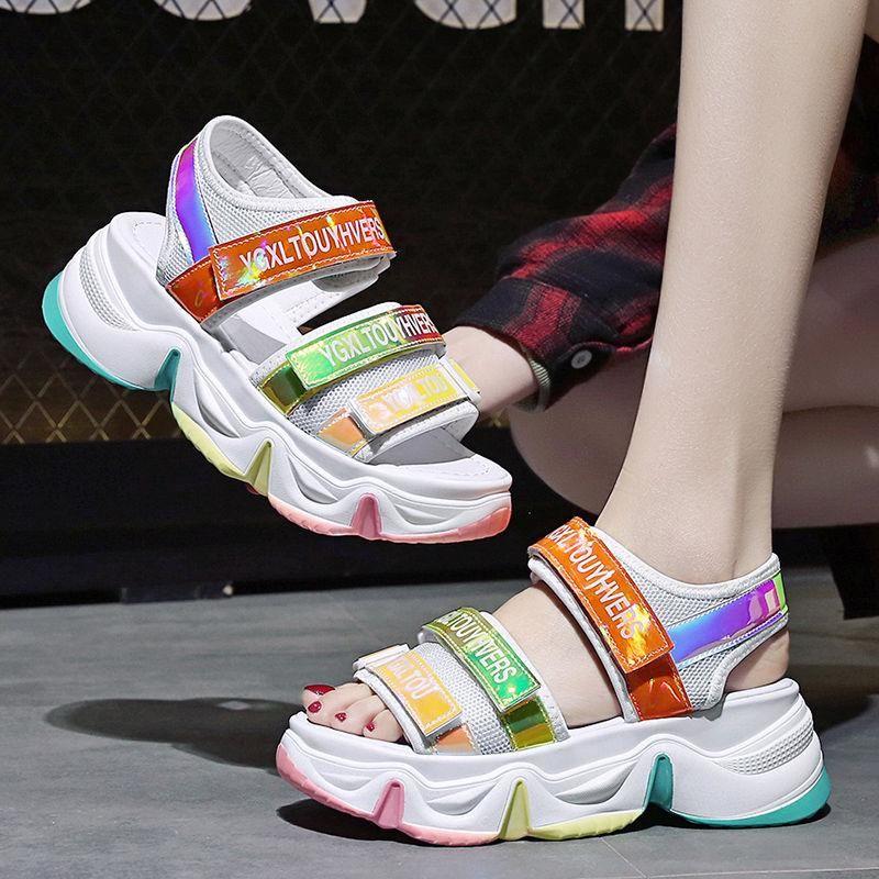 Sommer Keil Sandalen Weibliche Neue Mode Platform Sandalen Frauen Super Feuer Outdoor Strand Sport Regenbogen Freizeitschuhe