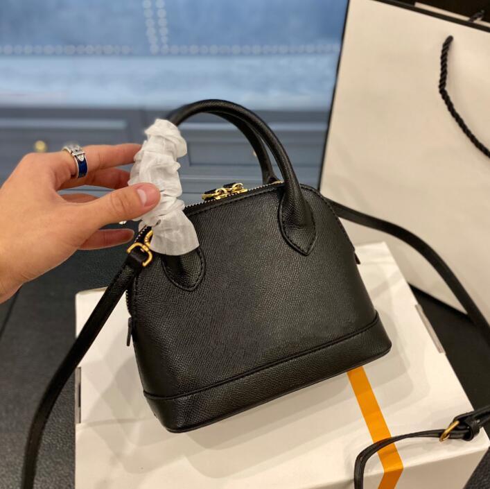 حقيبة يد جديدة محفظة السيدات مصغرة حقيبة حقائب الأزياء حجم 18 سنتيمتر أنيقة حقيبة يد الأزياء حقيبة الأزياء الساخن الكلاسيكية حقيبة crossbody الأكثر مبيعا