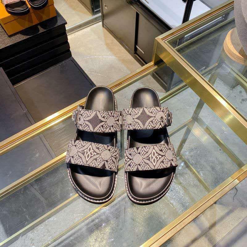 Düz Mule 2021 İlkbahar Yaz Kadın Moda Terlik Ayarlanabilir Geniş Kayış Slaytlar Leydi Yastıklı Sandalet