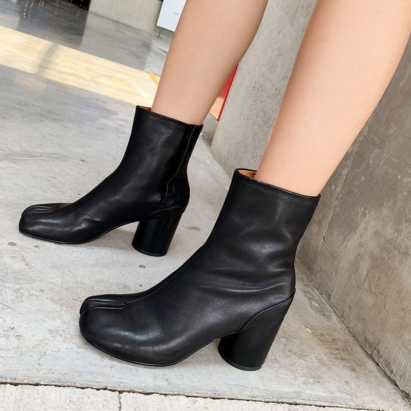 2021 Дизайн бренда Tabi Split Toe Boots Женская кожа Zapatos Mujer Chunky High каблуки Сапоги женские Обувь Мода Botas Mujer