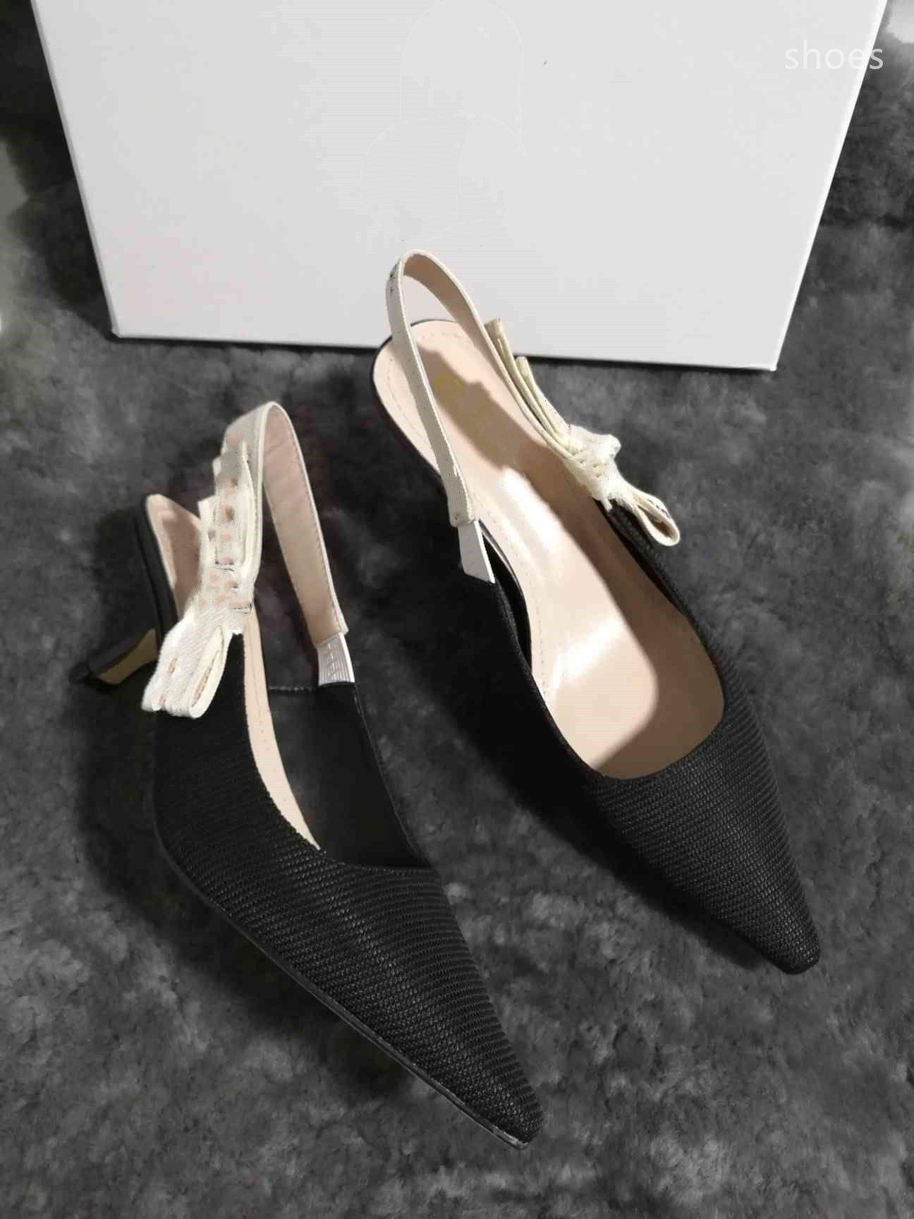 O novo 2021 vestido Shoes Party Office Universal High Saltos Moda Versátil Sapatos de Luxo Designer Design UY8