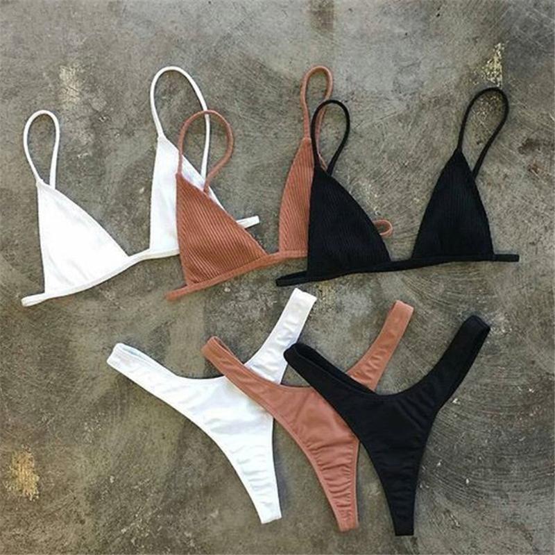 Bikinis Set Filles Brésiliennes Natation Costumes Bikini Small Cup + Plage de style haute Coupe Biquini Solide Noir / Blanc Micro Swing