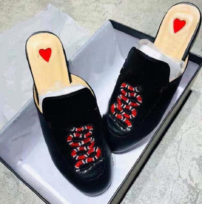 حار بيع المرأة رجل الصنادل النعال أحذية النعال عالية الجودة الصنادل النعال عارضة الأحذية المدربين الأحذية المسطحة الشريحة الاتحاد الأوروبي: 35-45 مع مربع 01