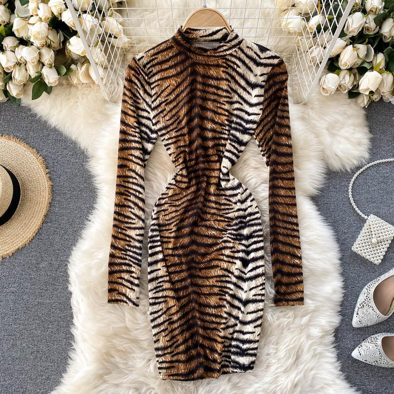 Robes décontractées imprimé léopard manches longues minces maxy robe sexy 2021 Spring Automne Stand Collier Mode Streetwear Party Club Vestidos
