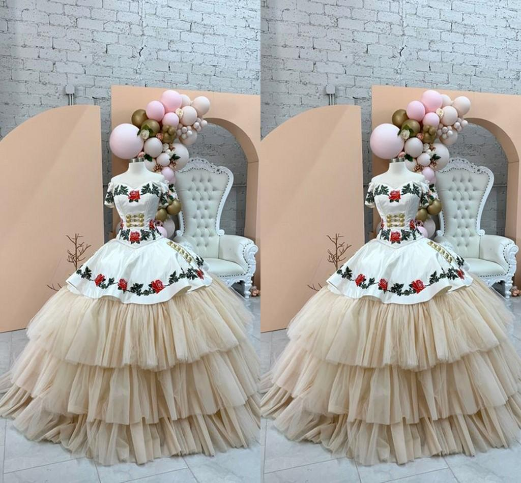 Vintage White Champagne Quinceanera Dresses Charro Mexican Style Tiered Ruffle Skirt Red Green Embroidered Off Shoulder Sweet 16 Dress Girls