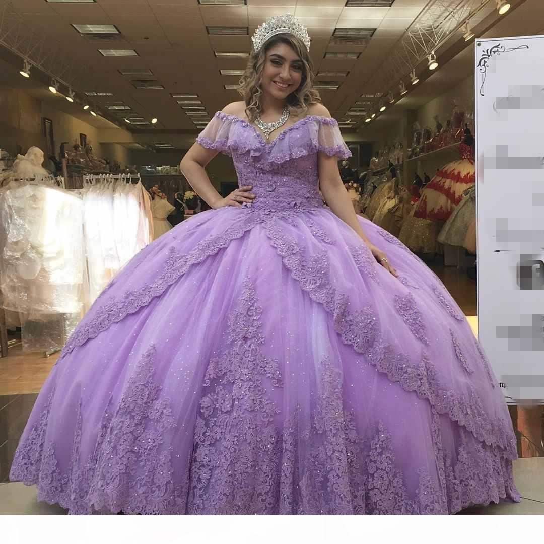 2020 Fantastic Light Purple Quinceañera Vestidos de fiesta Bola Boho Boho Mangas cortas con cuello en V Cuentas de encaje Lentejuelas Atrás Sweet 16 Dress Plus