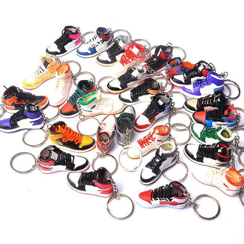 Pure Handcraft Mini 3d Stereo Sneaker Keychain Frau Männer Kinder Schlüsselanhänger Geschenk Luxus Schuhe Schlüsselanhänger Auto Handtasche Schlüsselanhänger Basketballschuhe Schlüsselhalter 10 Arten