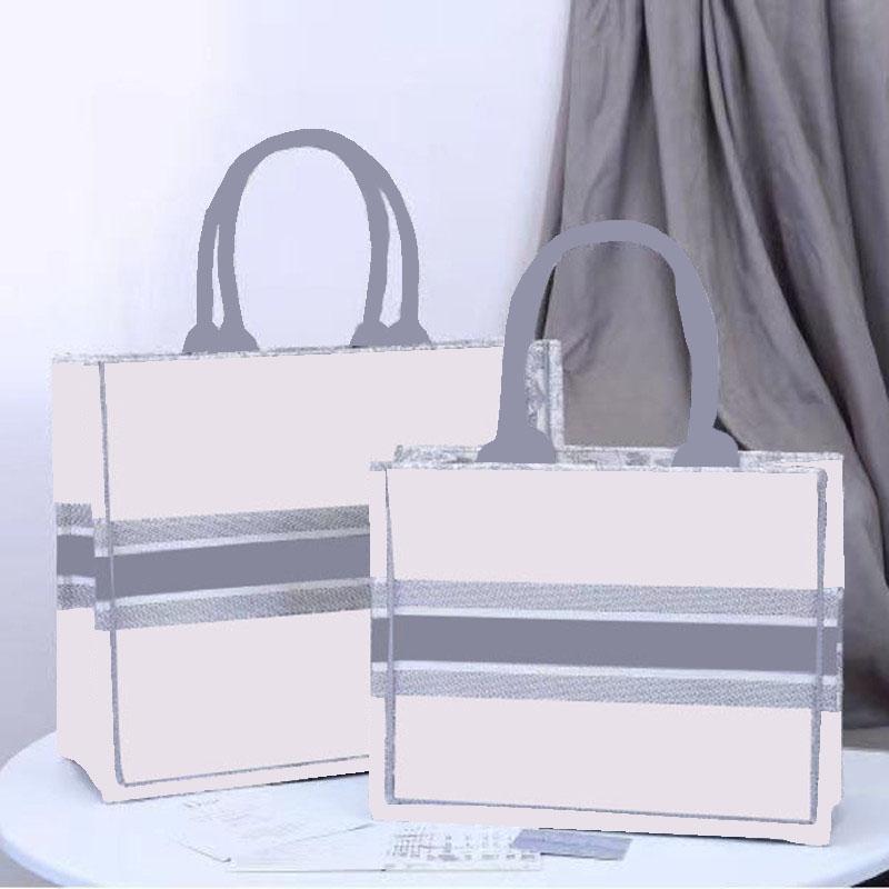 2021 Moda Bordado Tigre Tiger Top Capacity Luxury Big Brand Bag Bolso Bolso Classic Banquete Al Aire Libre Bolsos de viaje Handmade Flower de doble cara