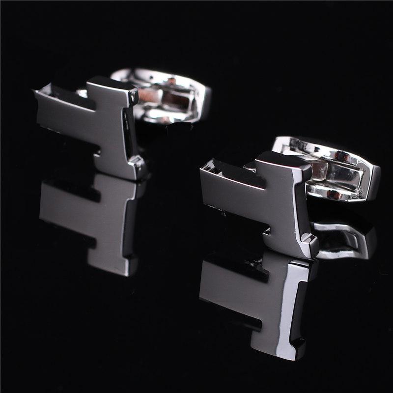Manchette de luxe Liens de haute qualité Classic Victory Letter Style avec bijoux Argent Or Black Rose-Or Chemise Boutons de manchette