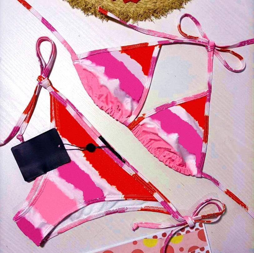 21SS DONNE DONNA Costume da bagno a tre punti moda estate in due pezzi abiti bikini set con lettere sexy spiaggia costume da bagno costumi da bagno abbigliamento WF2102073.