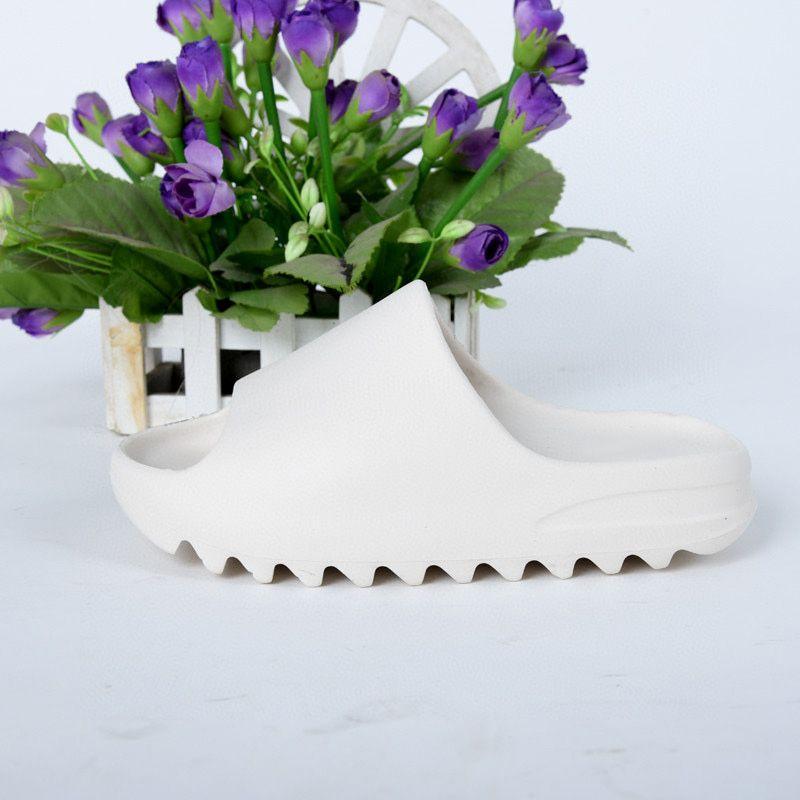 2020 Kinder Schuhe Junge Mädchen Jugend Kind Kanye West Slide Mode Desert Sand Beach Slipper Schaum Runner Knochen Sandale
