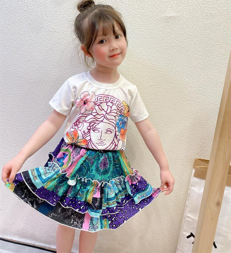 Varejo / Atacado Crianças Meninas Prints Tracksuit 2 Pcs Outfits Conjunto Dos Desenhos Animados Tshirt + Moda Plissada Skirt Tracksuits Crianças Designers Roupas
