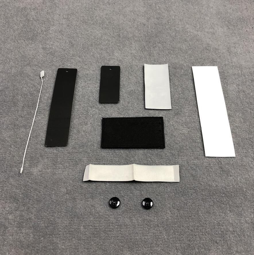 Kundenspezifische Etiketten Kleidung Zubehör Abzeichen Stickerei Patches Tuch Aufkleber Armbands Buttons Hangtags Waschaufkleber Nähvorgänge