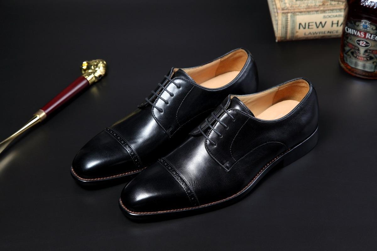 2021 yeni deri ayakkabı el yapımı high-end özel kırmızı dış taban, üst buzağı kumaş astar deri deri taban bağcıkları siyah kahverengi