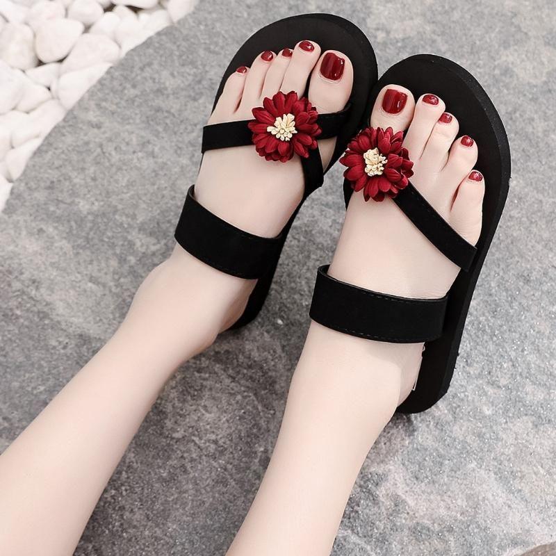 Pantoufles Femmes Fleurs Plage Chaussures respirantes Sandales Home Slipper Flip-Flops Plat Femmes Summer Shoeswomen's 2021