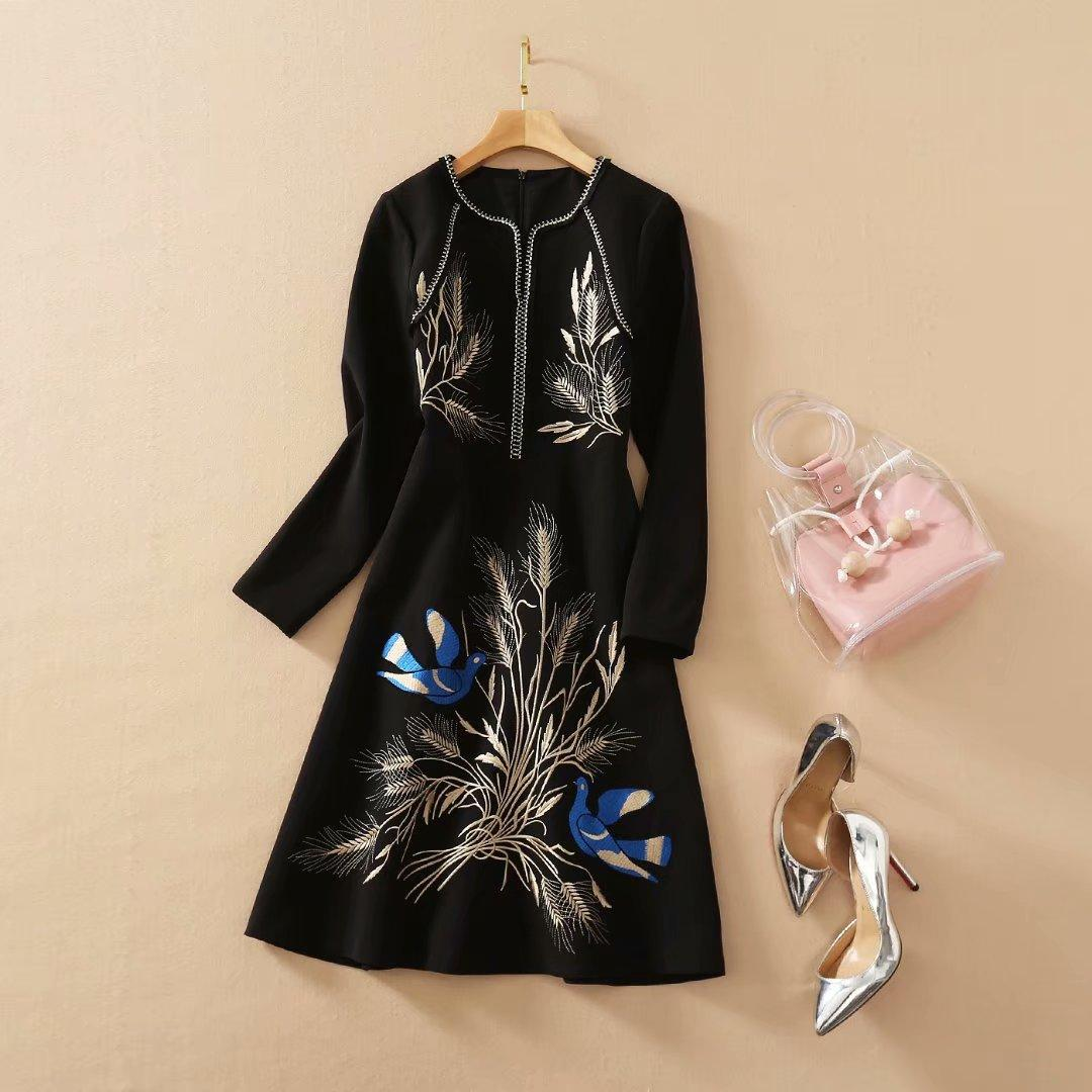 801 2020 Free Shipping Summer A Line Long Sleeve Dress Prom Fashion Crew Neck Black Flora Print Mid Calf Brand Same Style As