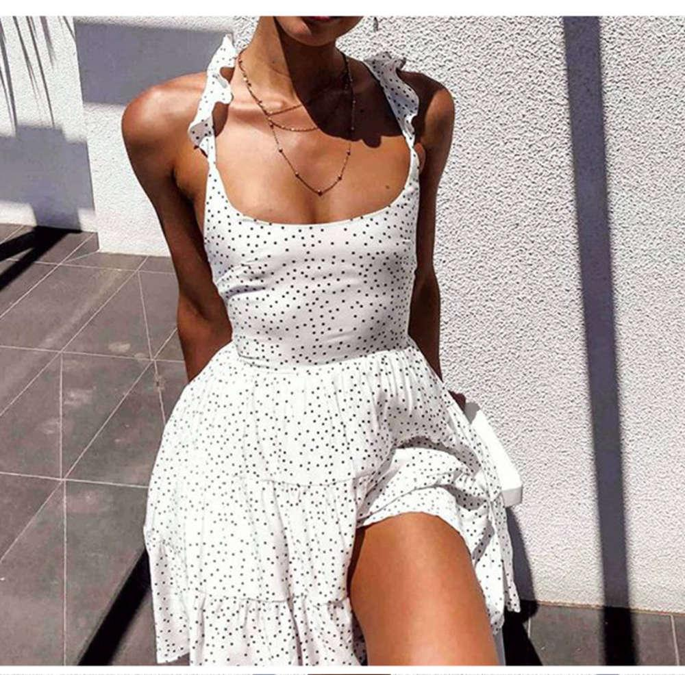 2021 Новая круглая точка рюшами открыть обратно сексуальное кружевное платье пляжа юбка