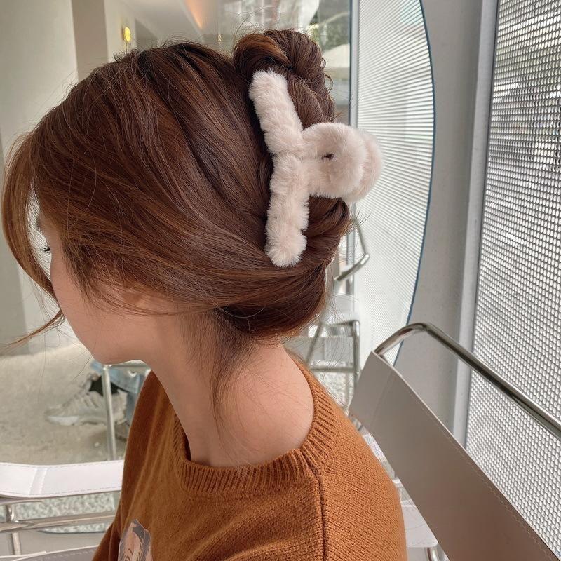 Hair Accessories Autumn And Winter Sweet Girl Fashion Colorful Plush Grab Clip Elegant Women's Headdress