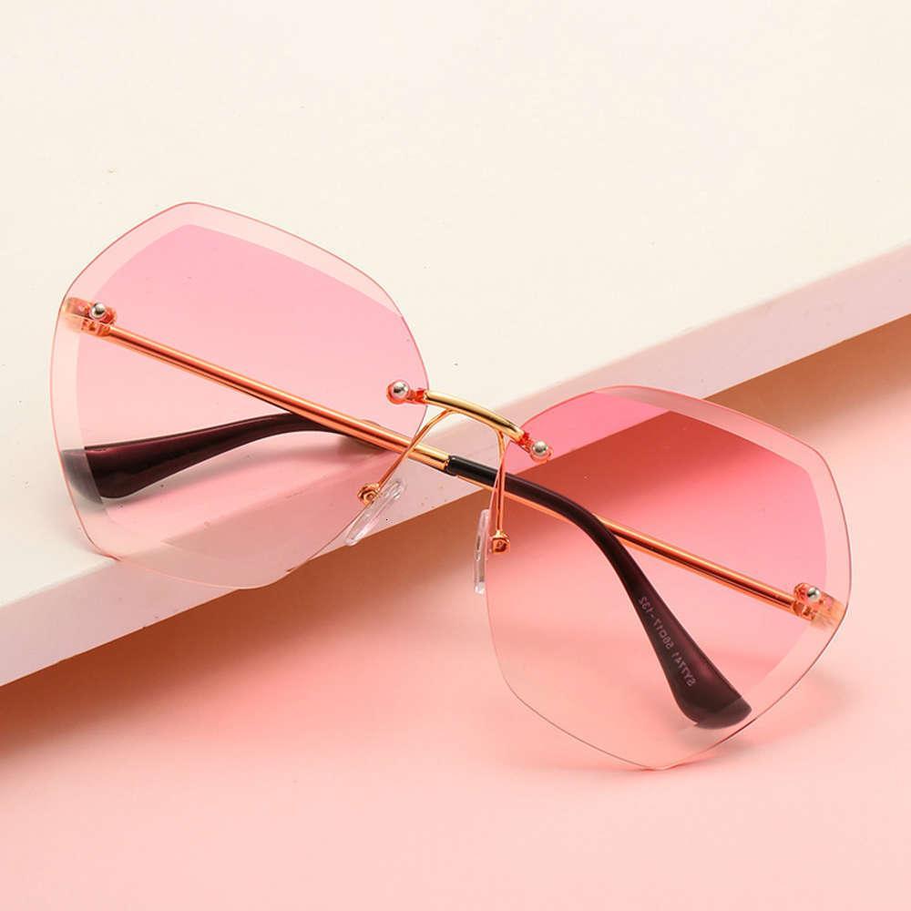 Occhiali da sole moda Donne Donne Designer Designer Lente di taglio a gradiente casuale Retro Posa Cornici Eyewear di alta qualità Oculos de Sol