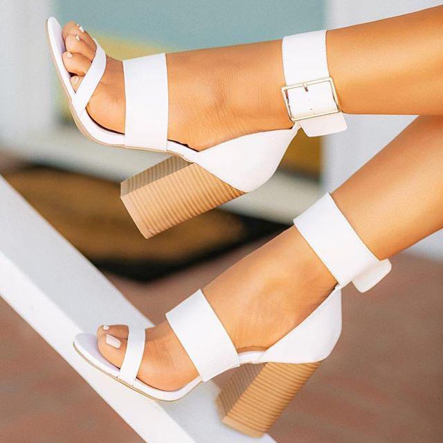 Sandales à talons beige Open Toe Comfort Chaussures pour femmes grandes taille Noir Peep High Filles Fermées Big Block Boucle Boucle Buel carré