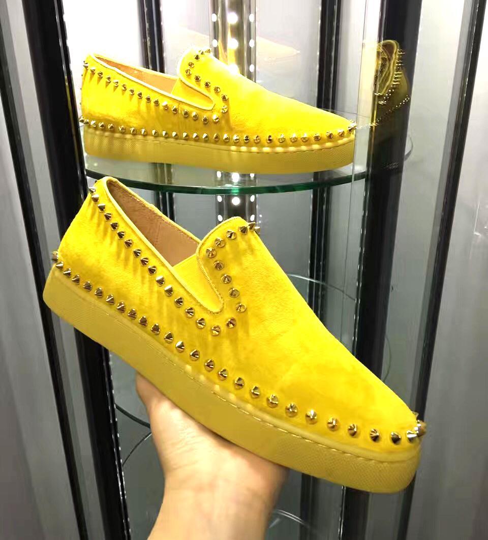 Moda caliente Nuevas zapatillas de deporte zapatos de diseño de colores de color rojo Fondos para hombres Mujeres High Cut Spikes Cuero genuino Casual Remache Vestido Zapatos