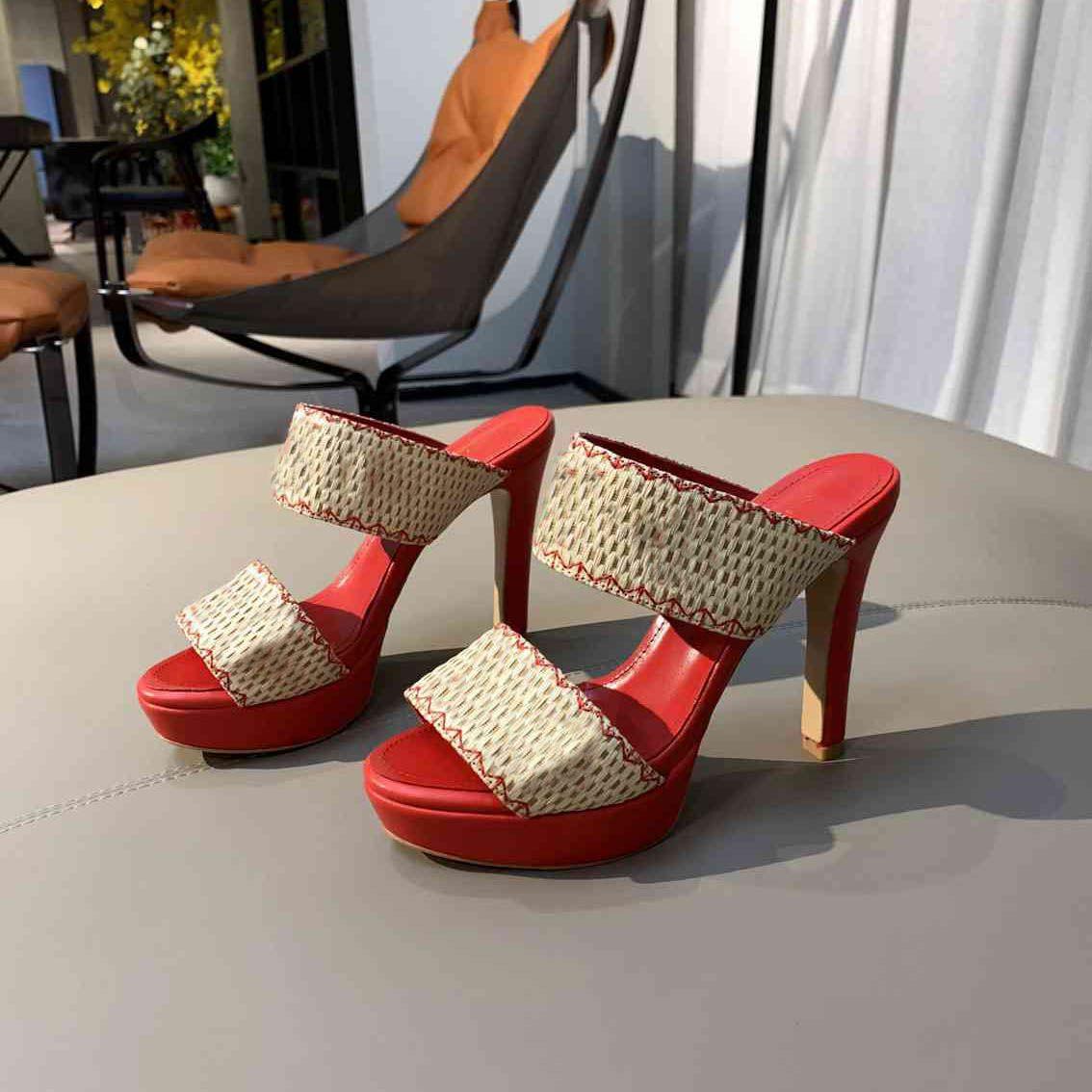 Zapatillas Patente de cuero arroz bordado de paja grueso soles fondo grueso fondo único diseño puntiagudo señal de punta de punta zapatos de boda sexy zapatos letras tacón sandalias