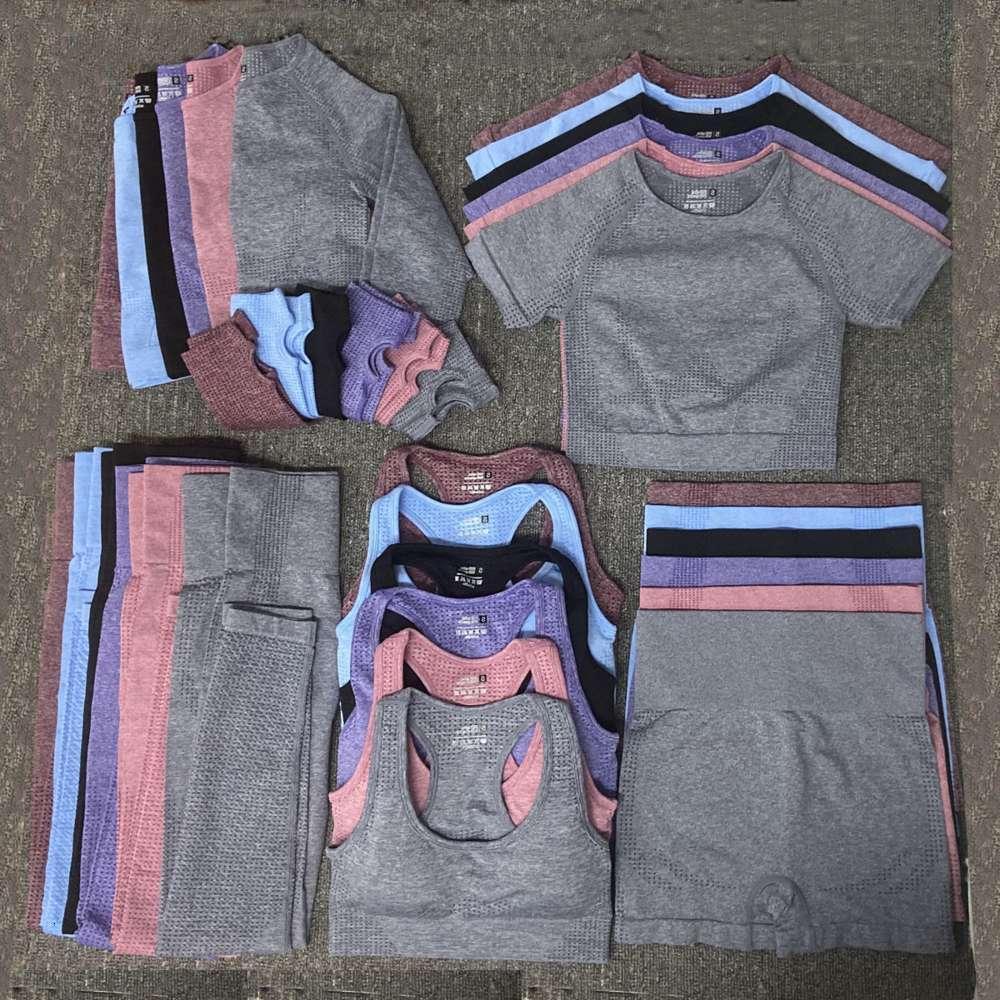 CD FG Mode Yoga Anzug Gymshark Gleiche Sty Sportwear Trainingsanzüge Fitnesssport 5 stücke BH Leggings Outfits Designer Womens Baumwolle