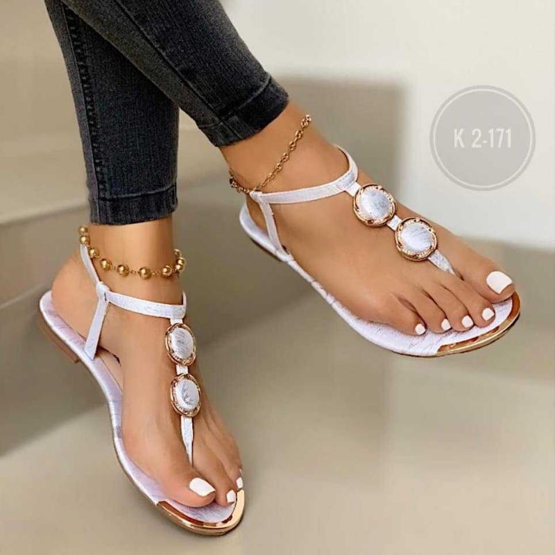 Mode femme chaussures 2021 sandales à talons beige de grande taille Flip Tongs plate-forme plate-forme Bande élastique noir de luxe NOUVEAU Big Flat Comfort Cor