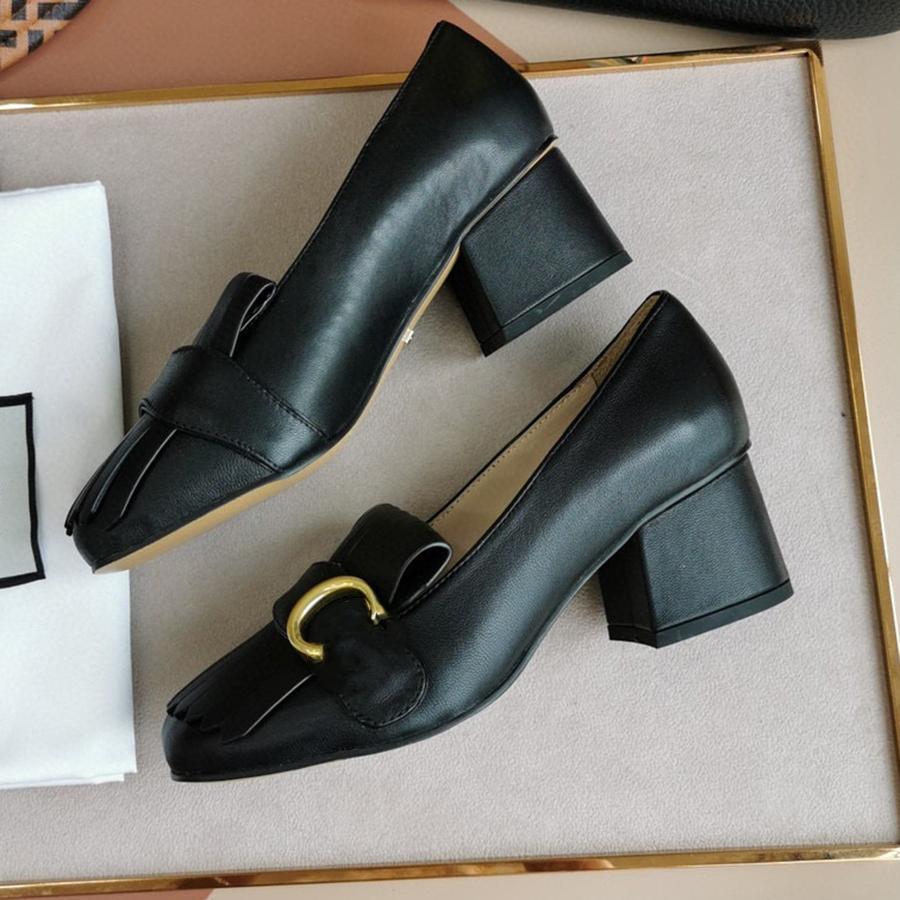 Clássicos mulheres saltos sapatos sandálias moda praia espessa chinelos alfabeto senhora couro salto alto sapato slides por